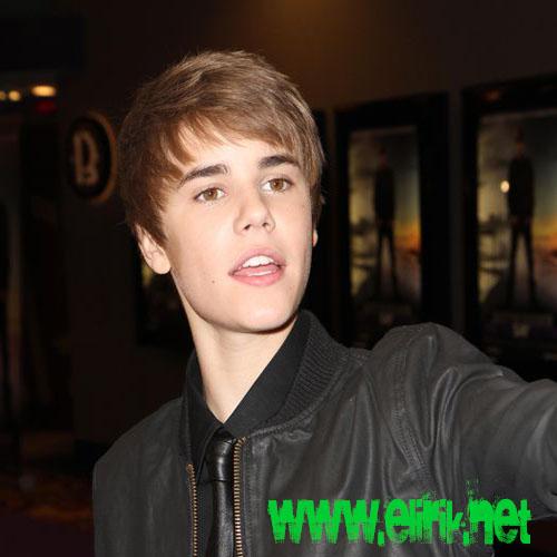 justin bieber 2011 haircut shirtless. JUSTIN BIEBER NEW HAIRCUT 2011