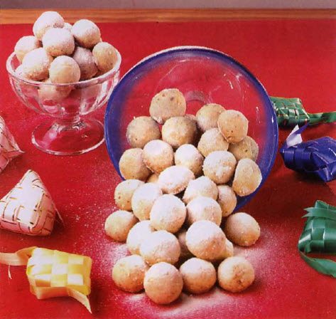 Resep Kue Kering Lebaran - Bola Bola KacangLembayung Kelam