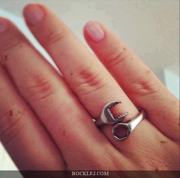 Awesome Mechanical Ring-