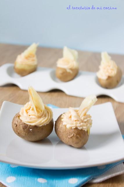 patatas con mousse de queso de oveja