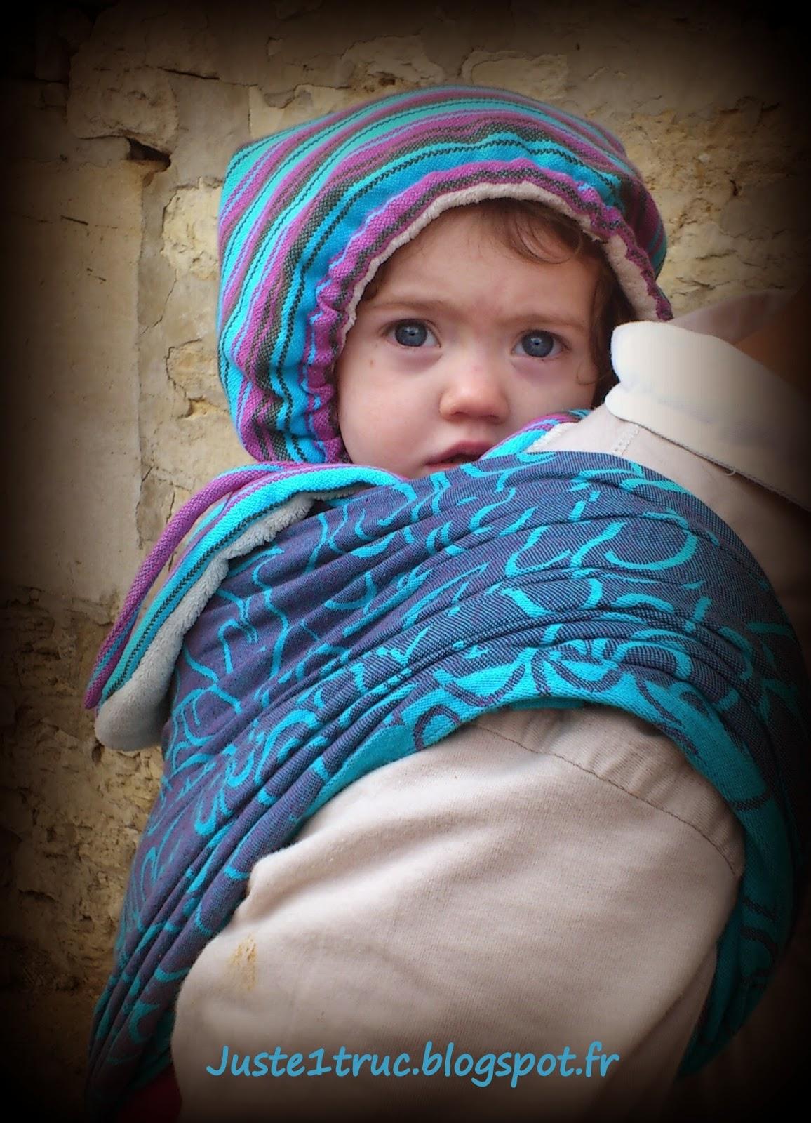 portage bébé bambin capu'chouette capuchouette capuchon capuche chapeau hiver tête fidella écharpe protéger tête froid