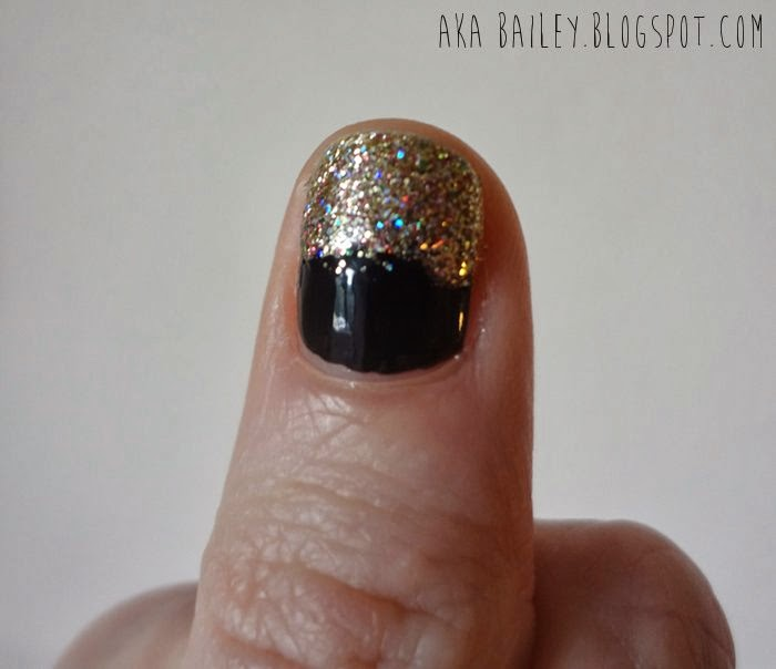 Pot of gold nails - black base with a gold glittery top
