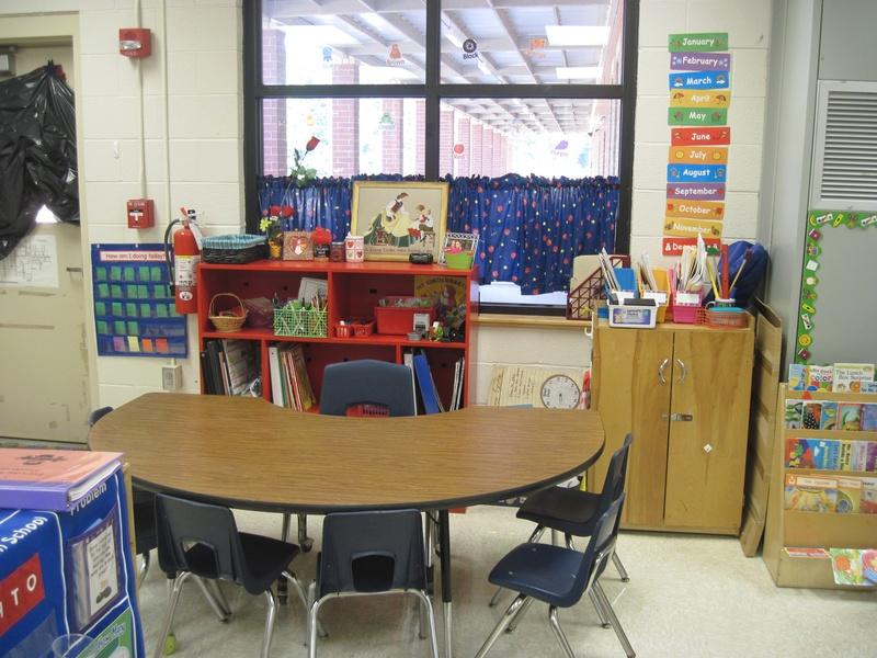 cozy kindergarten  classroom set up