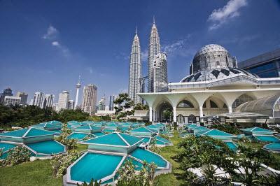 Thời gian nào các bạn nên đi tour du lịch malaysia giá rẻ