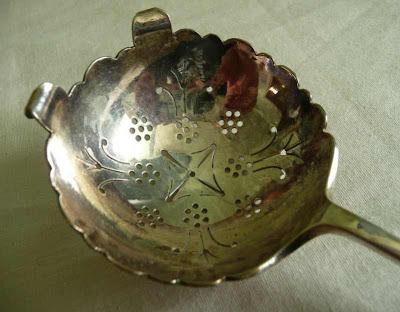 Solid Silver Tea Strainer Deykin & Harrison 1934 Birmingham