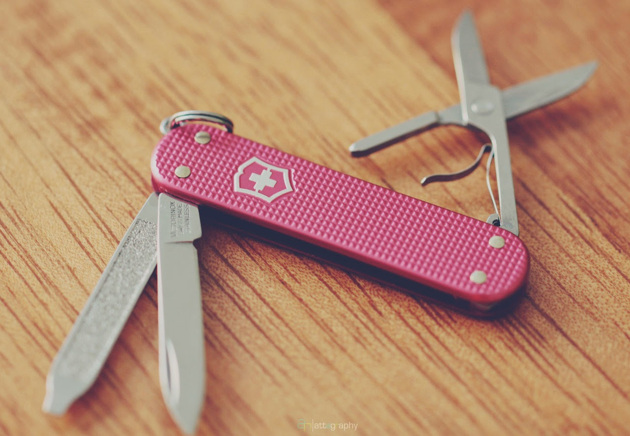 Plus beau couteau de femme : SAK - Victorinox Classic Alox rose
