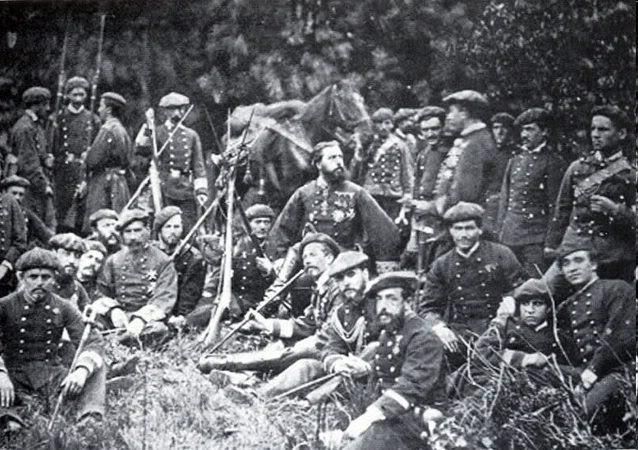 Don Carlos VII con su estado mayor, durante la III Guerra Carlista