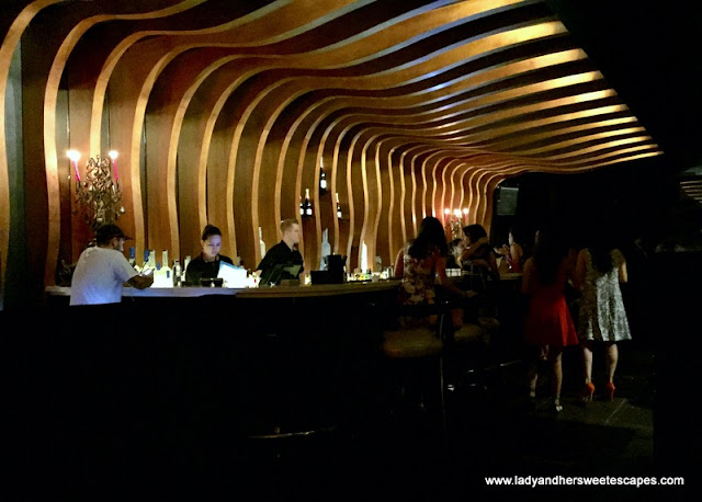 Vii Dubai bar and lounge