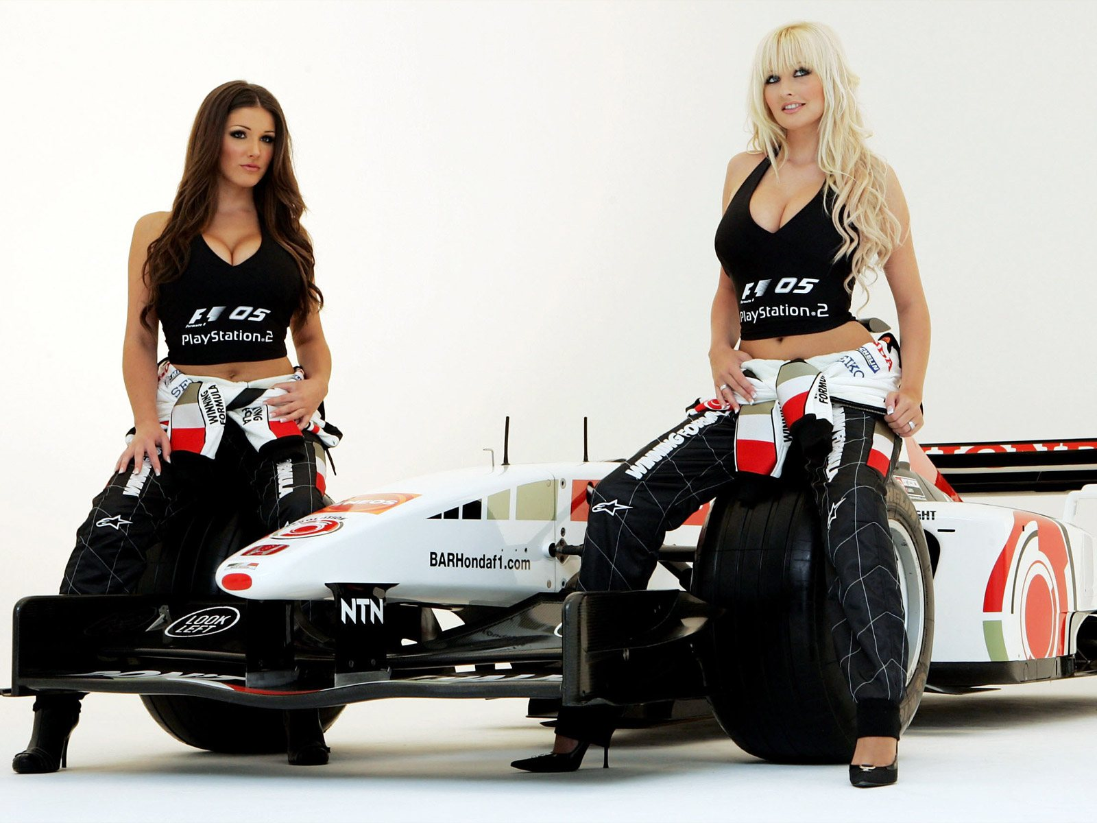 Pit Babe Full HD Wallpaper and Background | 3000x1832 | ID:109134