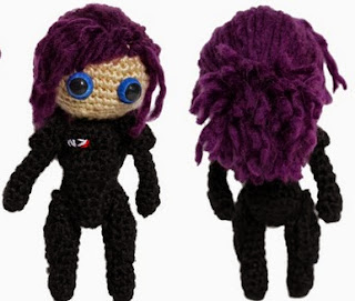 http://diygeekery.files.wordpress.com/2012/09/mass-effect-shepard-amigurumi-pattern.pdf