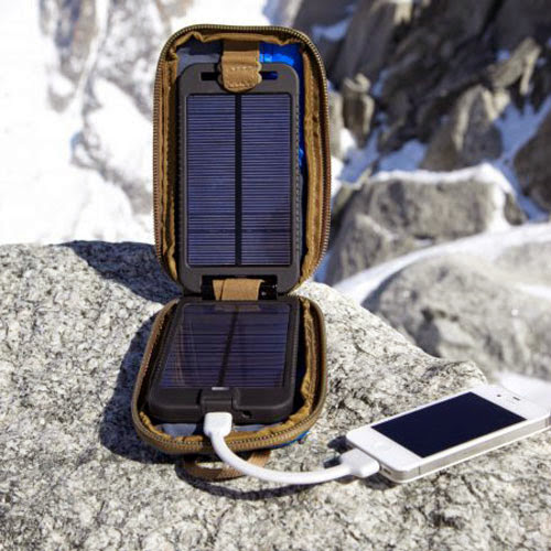 Top Solar Powered Gadgets and Gifts - Solarmonkey Adventurer Solar Recharger (20) 14