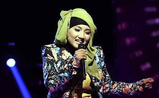 20130412JEP25 Aksi Panggung Fatin3 Download Lagu Fatin Shidqia Logika