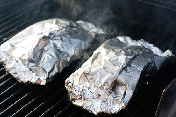 Food dj 50 shades of aluminum foil or things to cook on for Cooking fish in foil