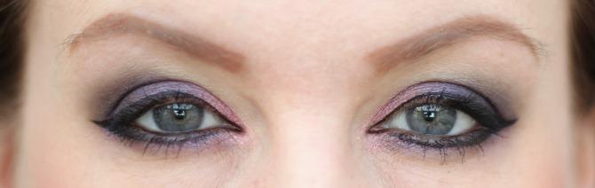 Purple eyes head on