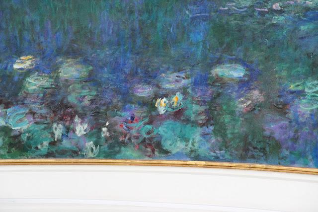 "Dettaglio del quadro ""Le ninfee"" di Monet al museo de l'Orangeri a Parigi"