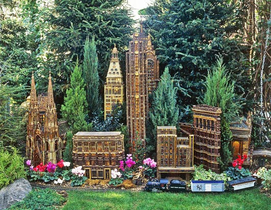 Riszky nurseno new york botanical garden the vacation Botanical garden train show