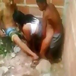 Suruba Gostosa na Favela Caiu na Net - http://www.videosamadoresbrasileiros.com