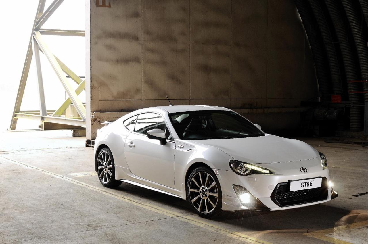 [Resim: Toyota+GT86+TRD+1.jpg]