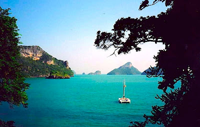 Our catamaran Nok Talay in the Angthong Marine Park, Gulf of Thailand