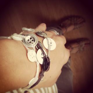 Armband, knappar, läder, smycken