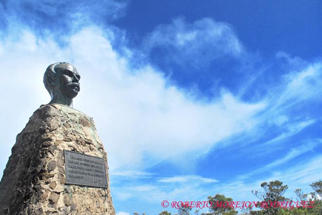Busto de José Martí en el Pico Turquino,en la Sierra Maestra, Cuba