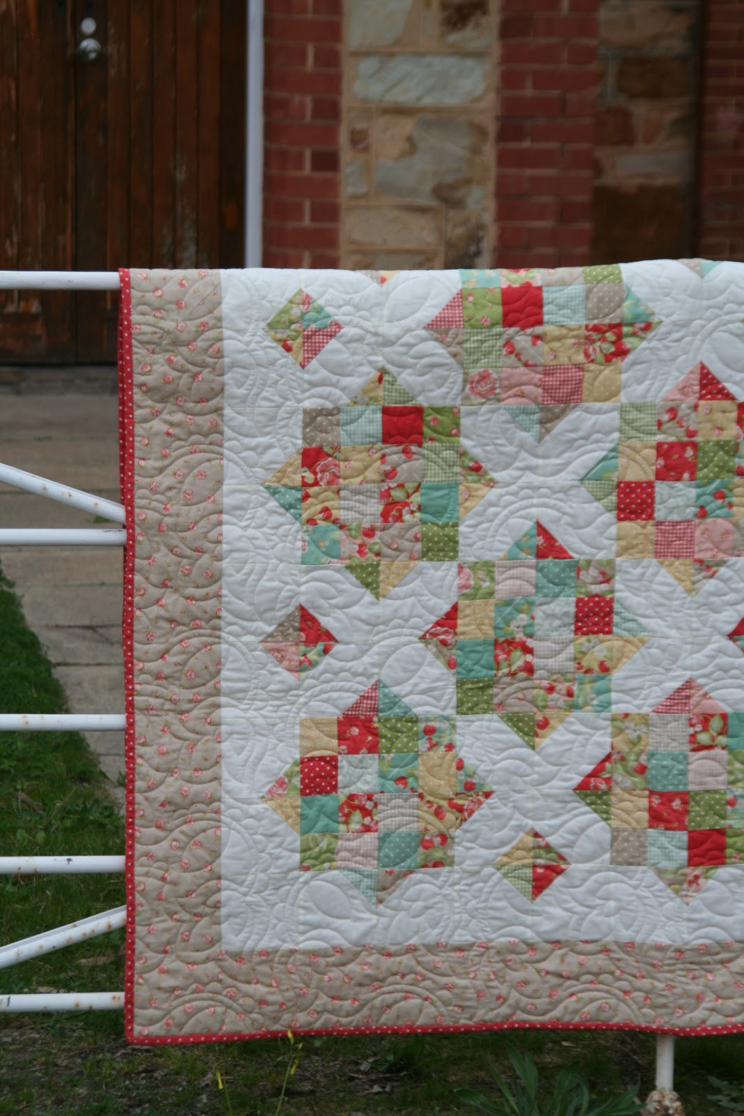 England Street Quilts: Briar Rose - A Finish and a Free Jelly Roll ... : missouri star quilt tutorials - Adamdwight.com