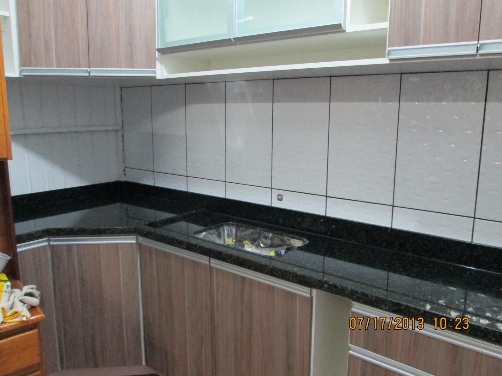 MARMORARIA CARDOZO: Bancada de Cozinha em Granito Verde Ubatuba. #634E42 1600x1200