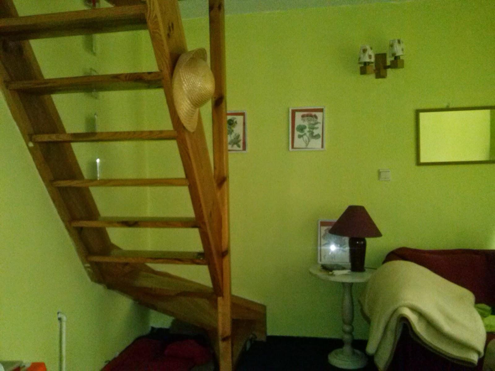 schody w wiejskim domu