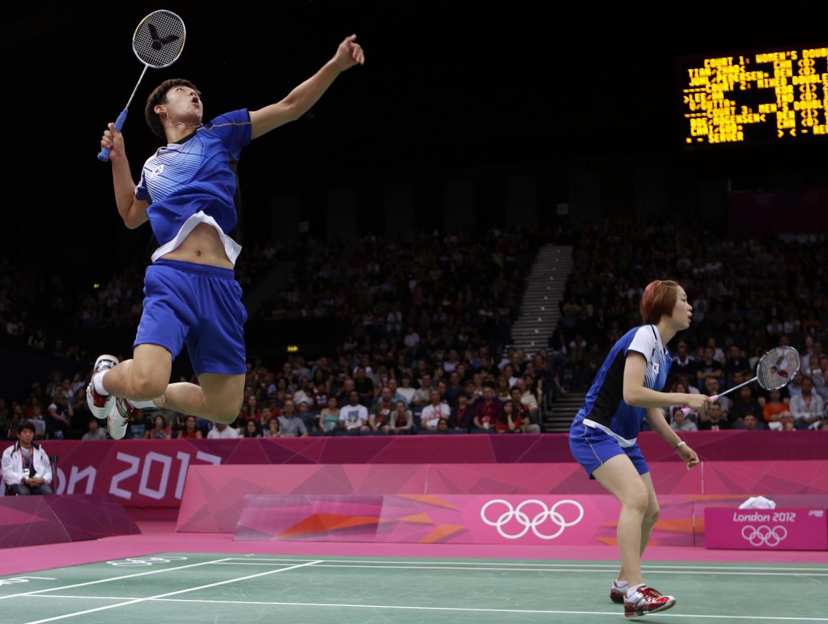 undang undang permainan badminton 30 undang-undang permainan selain dari peraturan yang terkandung, maka sukan ini akan dijalankan mengikut undang-undang permainan persekutuan badminton sedunia (bwf) yang.