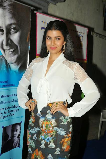 Nirmat Kaur Bollywood Actress Hot Pics