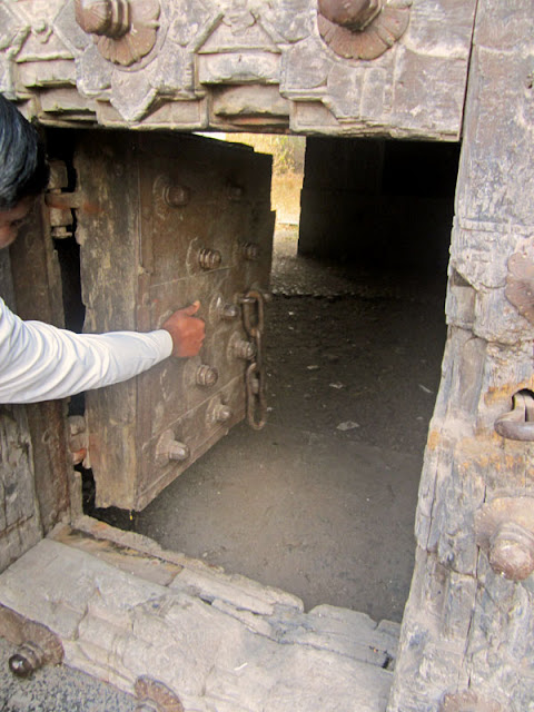 ancient trapdoor of Sardar Purandare Wada in Saswad