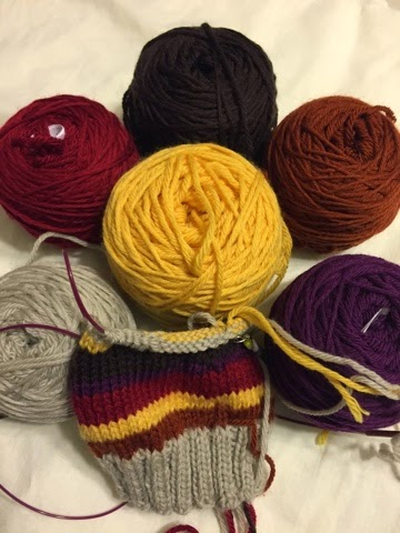 Geek Grrl Crafts Knitting Doctor Who Scarf Gloves