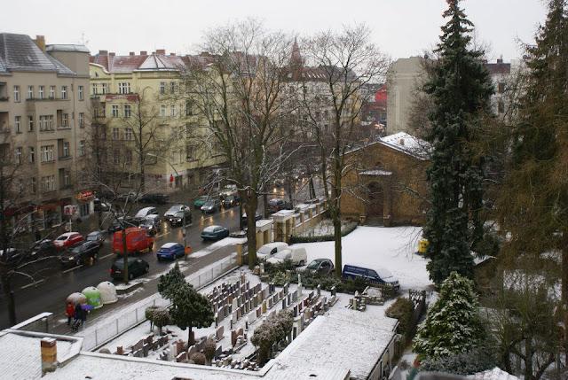 cemetary Neukölln Berlin snow