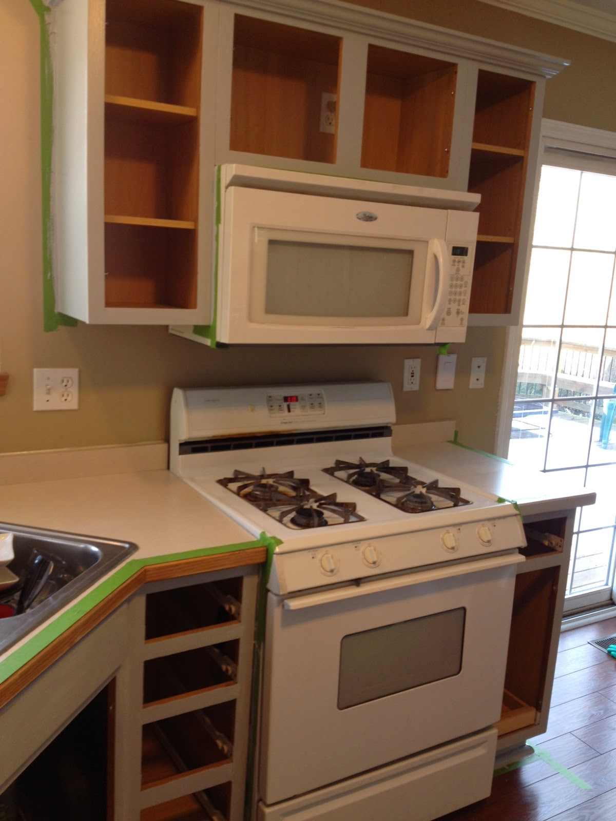Good Kitchen Appliances What Color Kitchen Cabinets Look Best With White Appliances