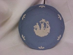 http://bargaincart.ecrater.com/p/2803836/wedgewood-1993-christmas-plate?keywords=christmas