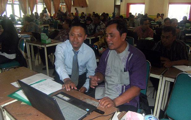 Siap memandu guru belajar Multimedia Interaktif.