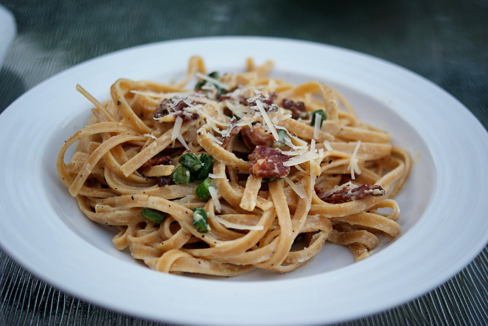 no reEATS: Garlic Scape Fettuccine Carbonara