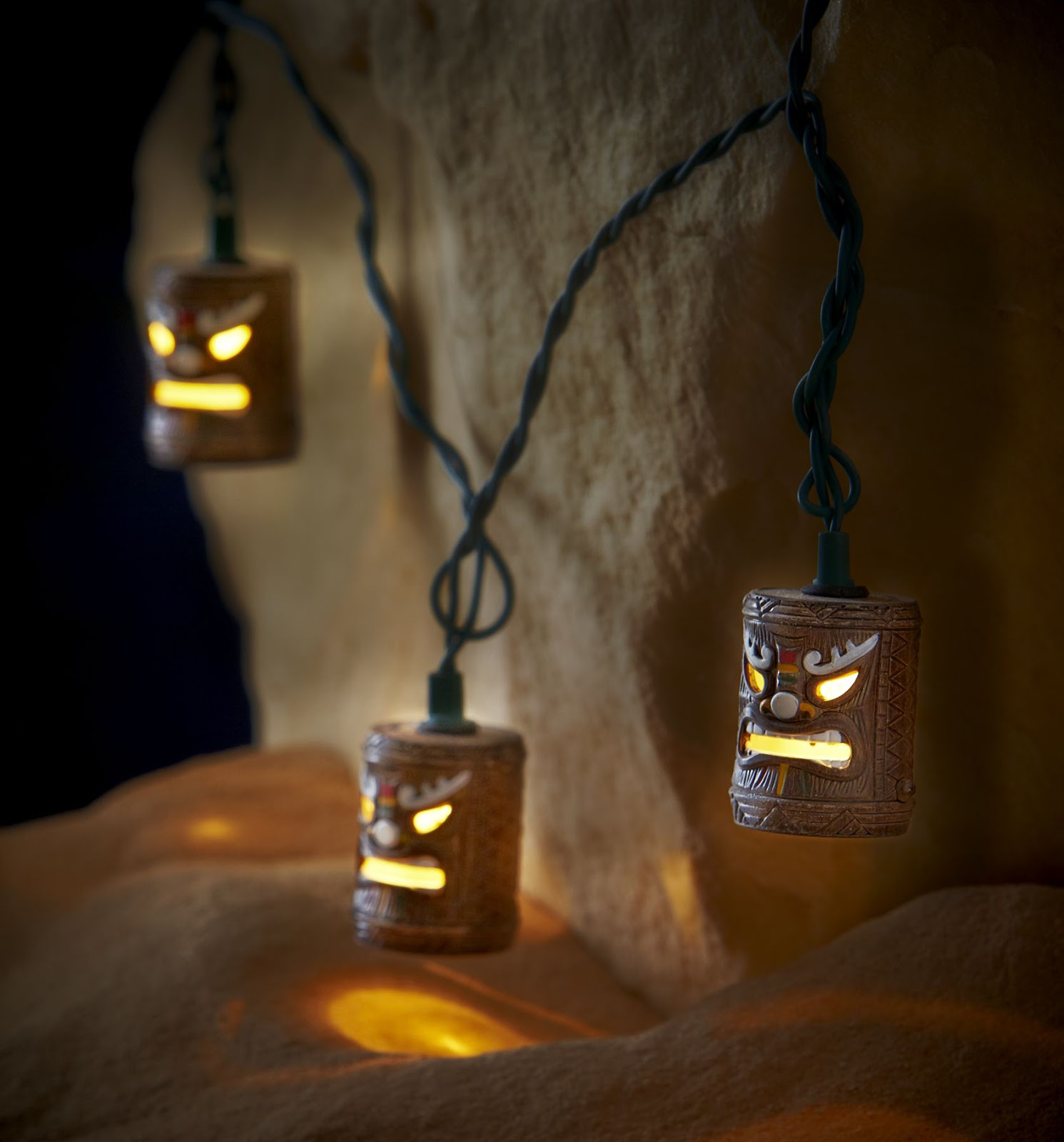 Kari LikeLikes: Tiki Head String Lights