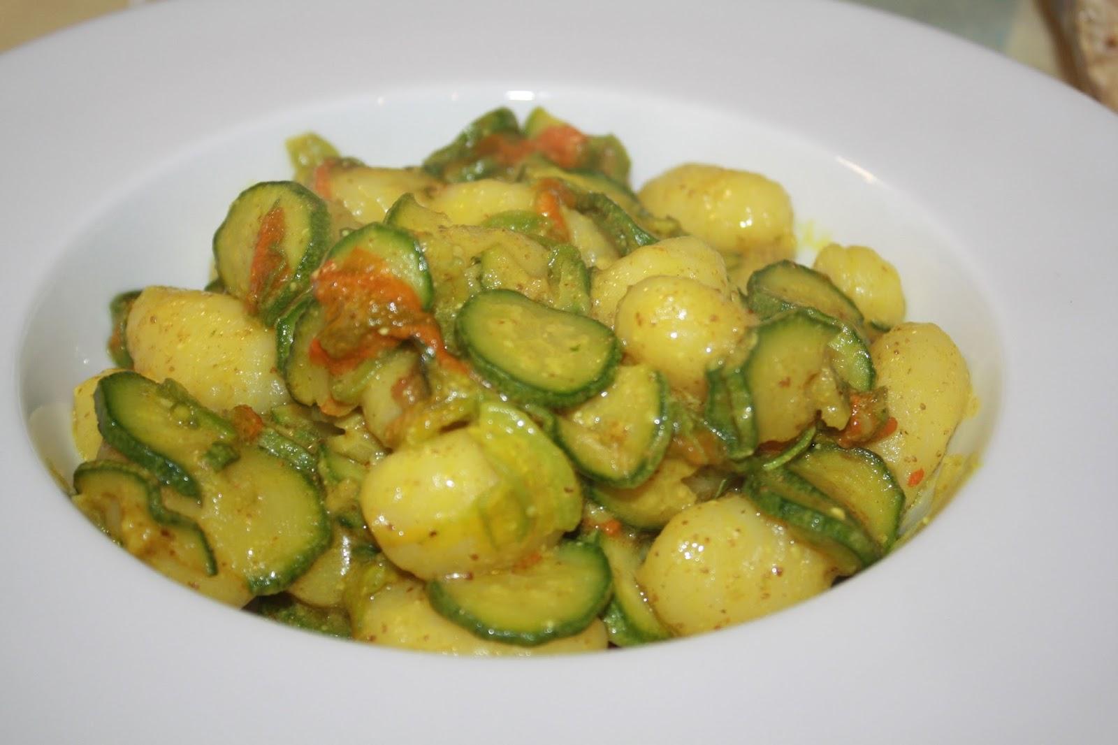 Disegno cucina moderna giugno 2015 : La Cuciniera Moderna: Gnocchi zucchine e curry, ricetta saporita