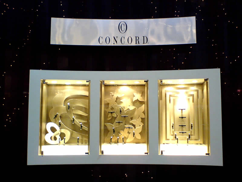 Visual merchandising jewellery display for Jewelry store window displays