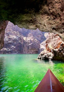 Lake Mead National Recreation Area (Best Honeymoon Destinations In USA) 10