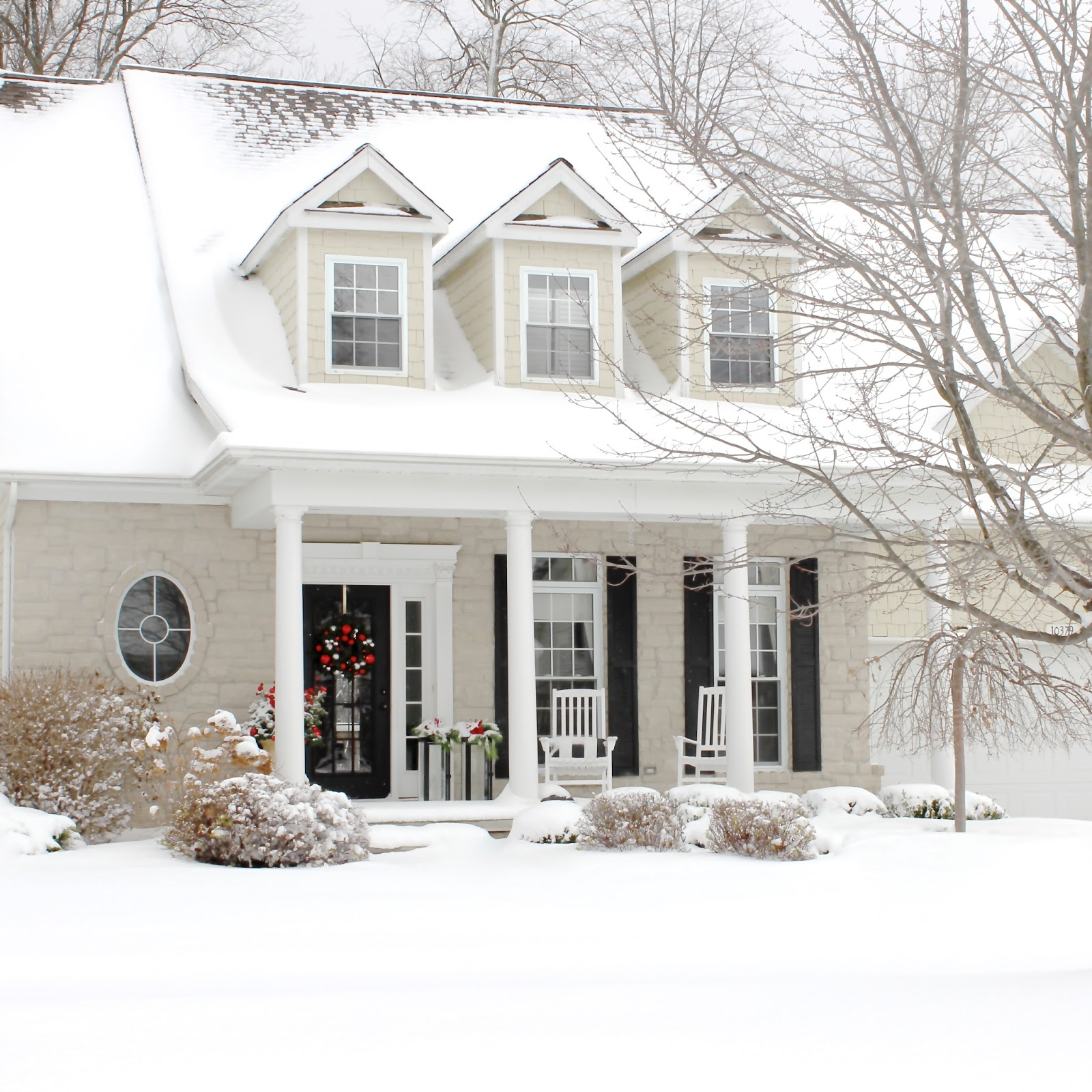 The yellow cape cod christmas home tour 2014 for Cod home