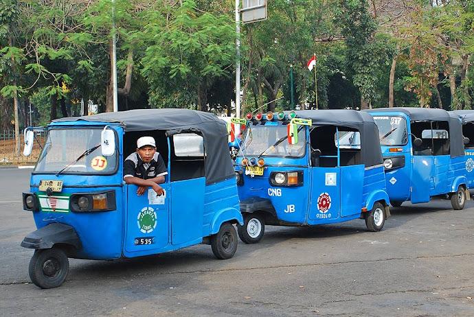Tuk tuks de Yakarta