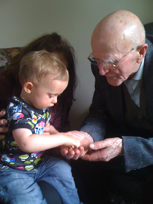 The Gallery: Hands, old and young hands
