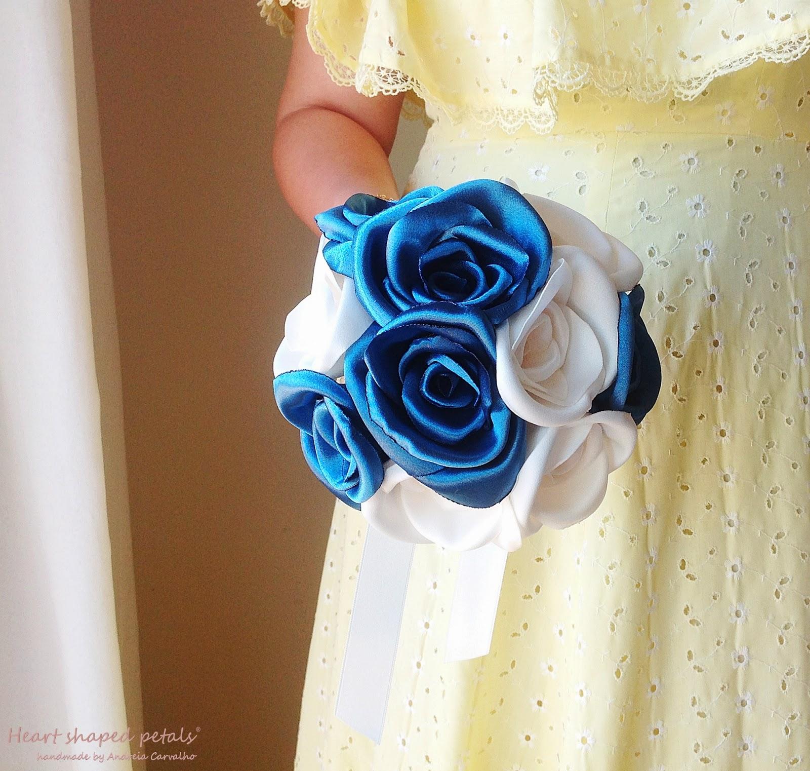 bouquet de rosas azuis para noiva