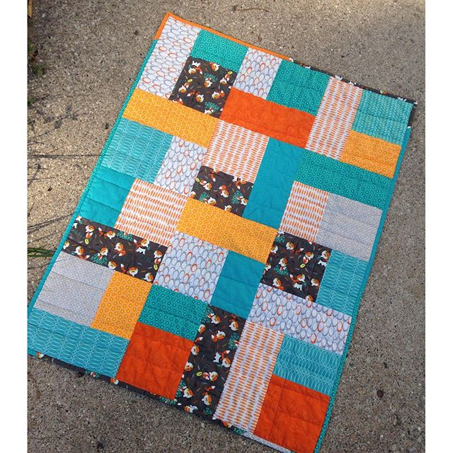 Friday Finishes : fat quarter baby quilts - Adamdwight.com