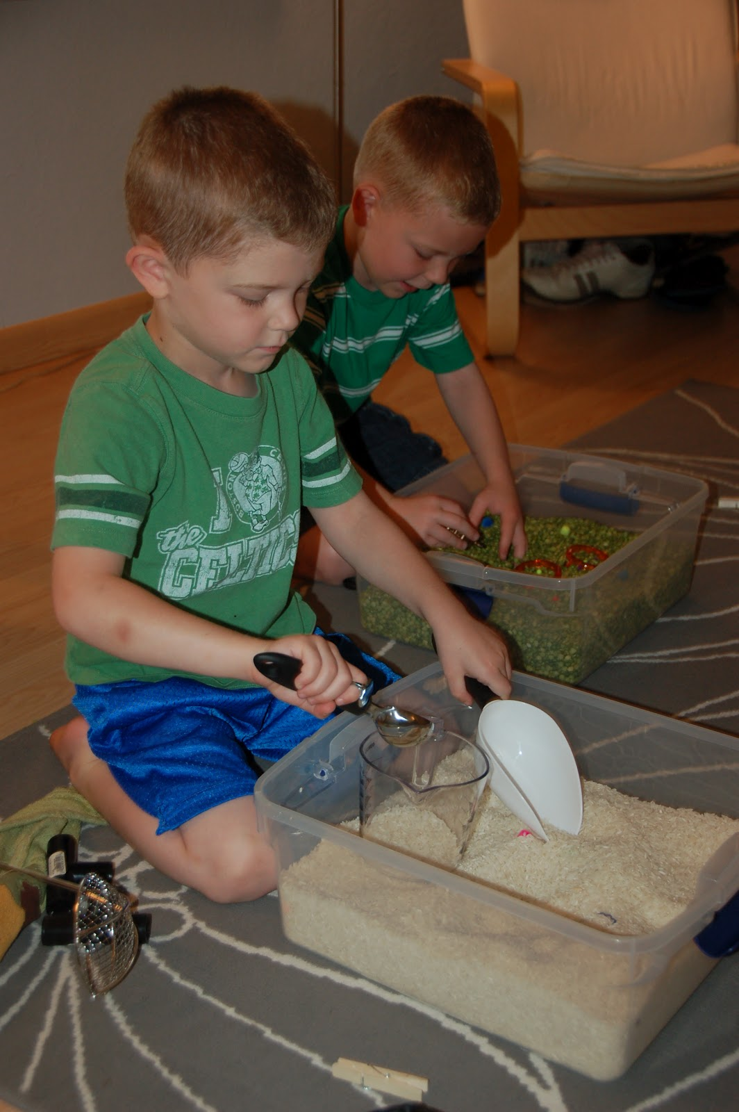 The Almost Perfectionist: Sensory Tubs