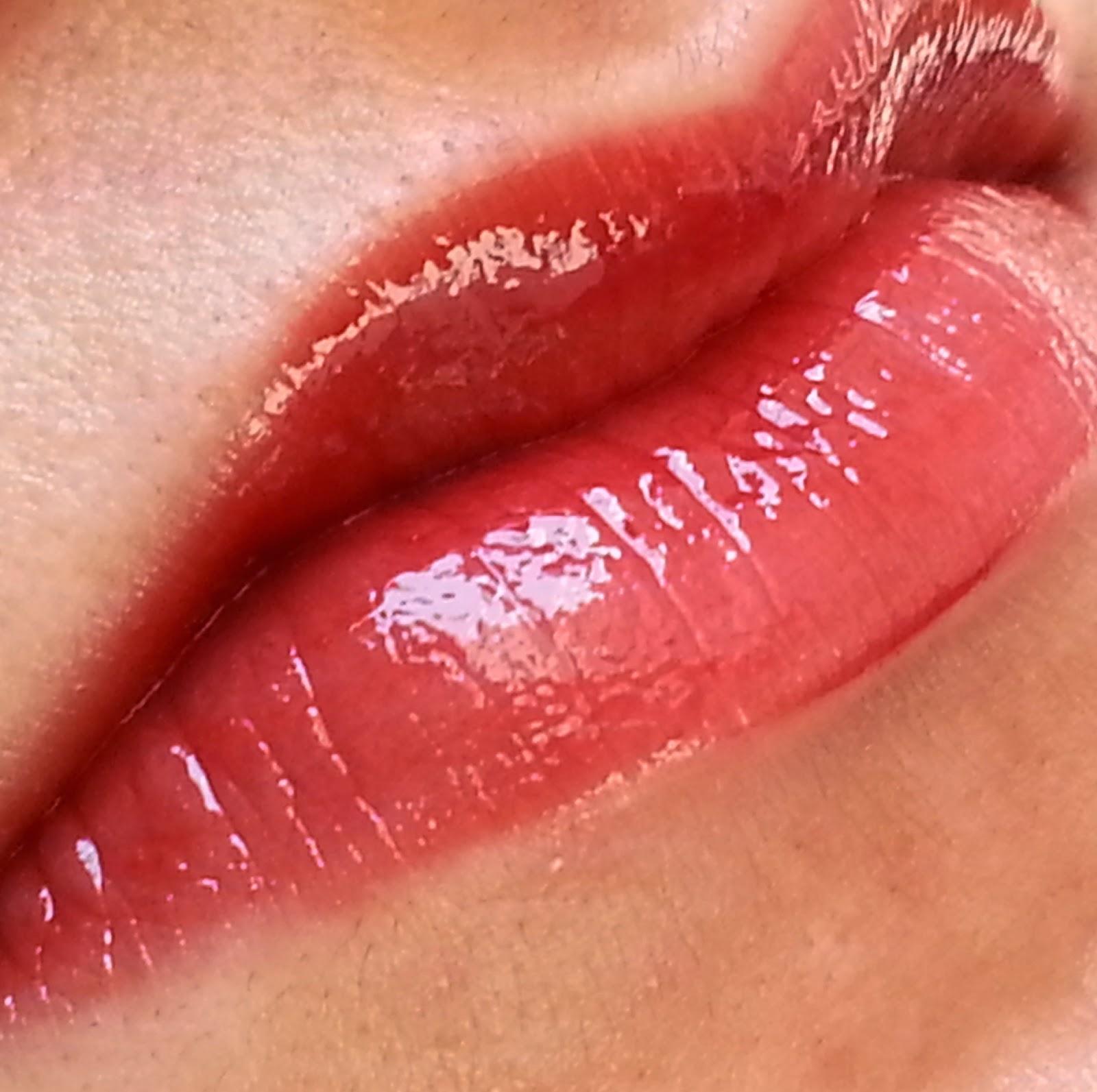 Lotus-Herbals-Purestay-Nourishing-Lip-Gloss-Review