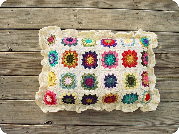 Crochet Pattern Granny Square Pillows : Miss Yellow Shoes: Crochet Chronicles: Granny Square Mug Cozie