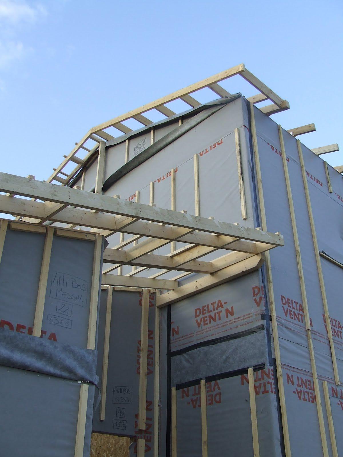 Notre maison en bois montage des murs j 9 for Montage maison en bois